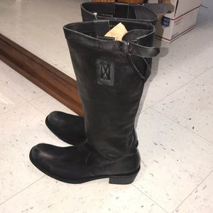 Distressed look black boots size 11 new